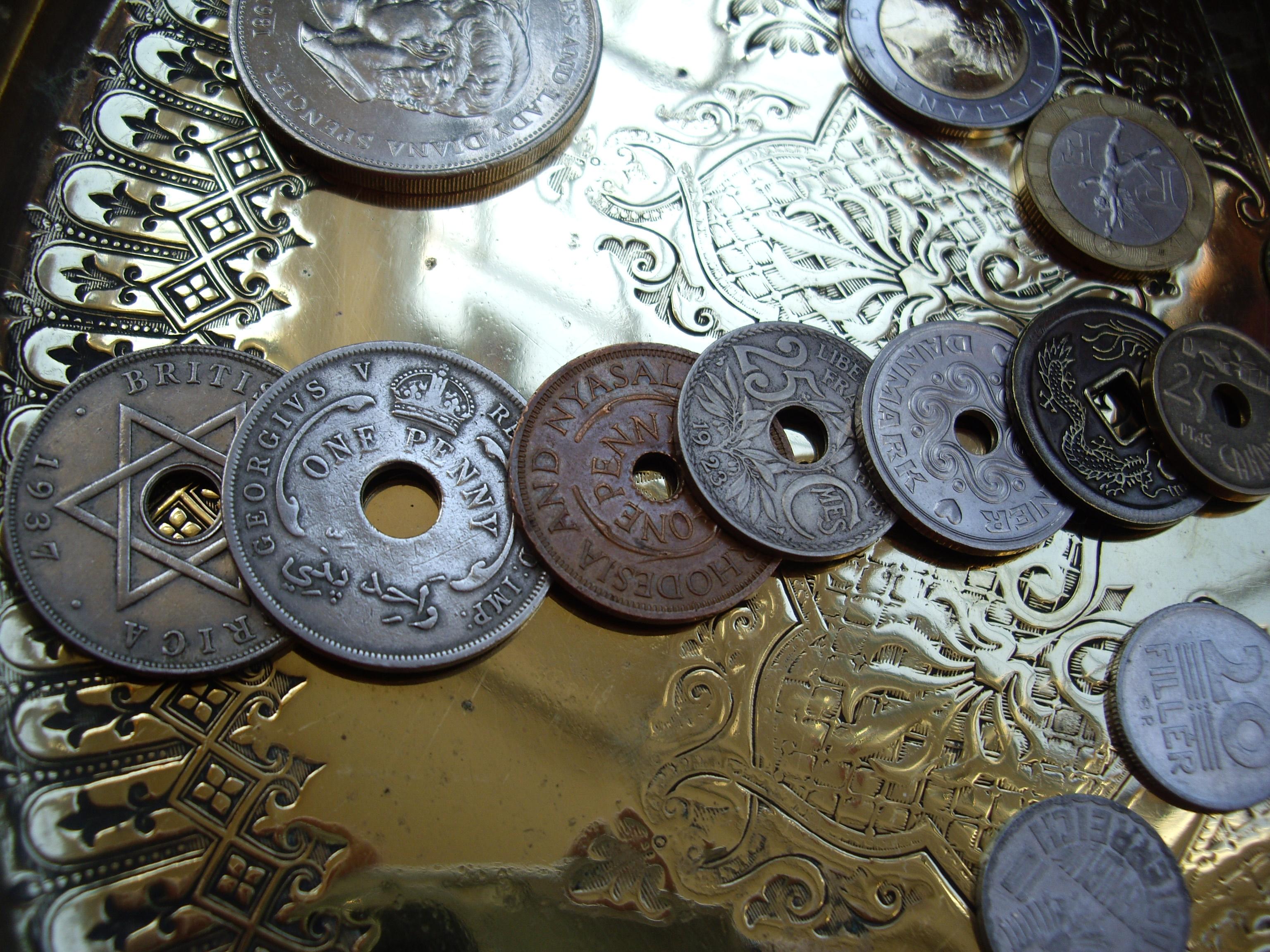the coin treasure box springboard discovery box. Black Bedroom Furniture Sets. Home Design Ideas